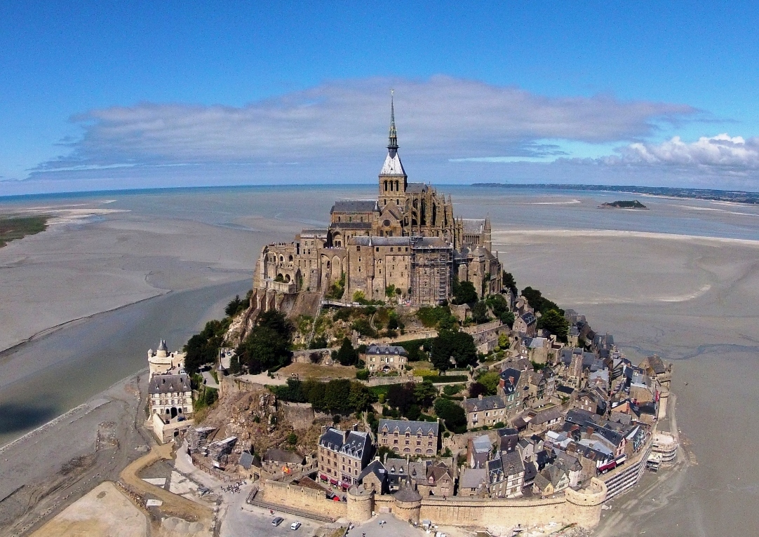 Le mont saint Michel en Normandie
